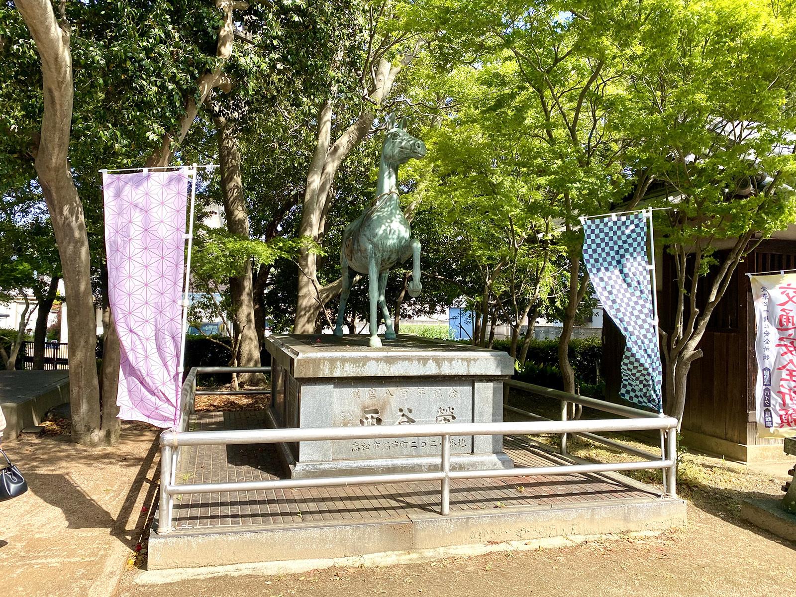 岩田神社 08 幟の柄が・・・